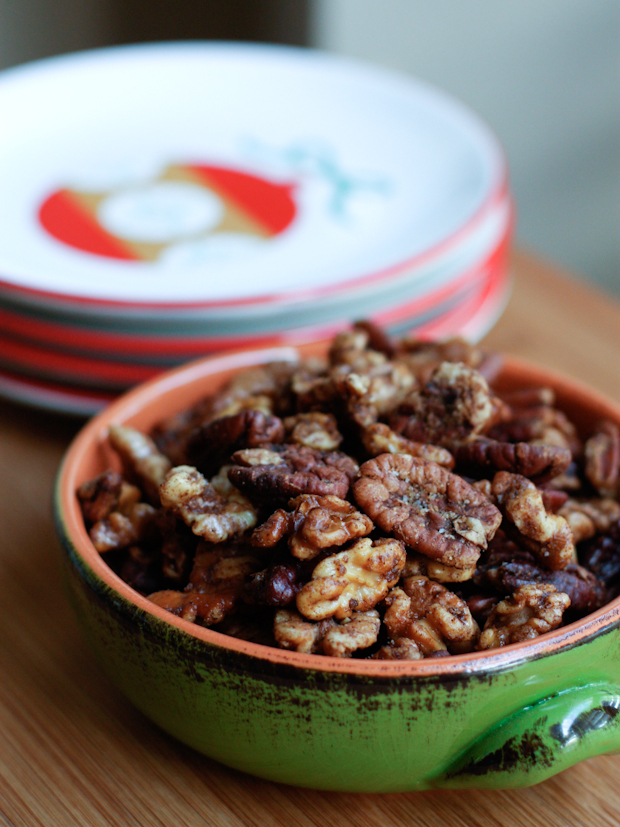 Gingerbread Spiced Nuts