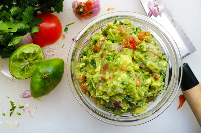healthy guacamole recipe for Cinco de Mayo