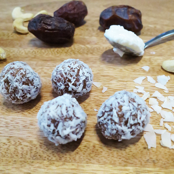 Coconut and Date nut protein balls recipe